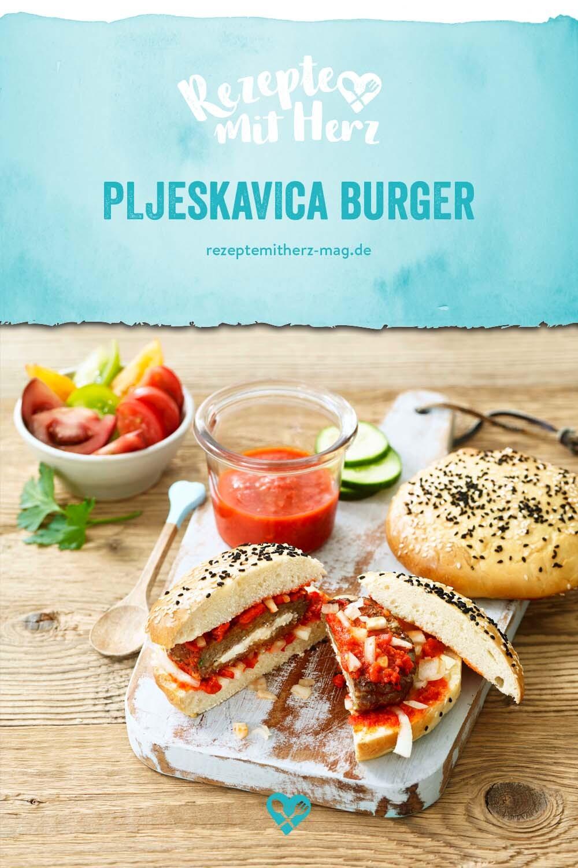 PLJESKAVICA - Burger mit Pita-Brötchen und würziger Sauce